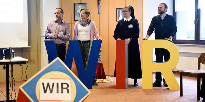 Leitung der Tagung: Ehepaar Manuela und Peter Miller, Schwester M. Veronika Riechel und Pater Stefan Strecker (Foto: Kröper)