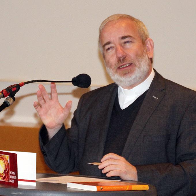 Mittendrin: Pater Michael Czysch – fröhlich und inspirierend (Foto: SFM)