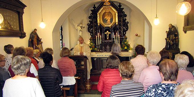 Heilige Messe im Urheiligtum im Rahmen der Oasentage für Frauen und Mütter in Marienland (Foto: SAL)
