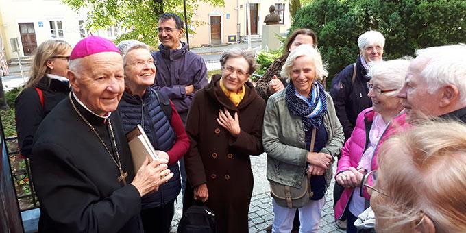 Begegnung mit Altbischof Dr. Edmund Piszcz in Olszyn (Foto: Löhr)