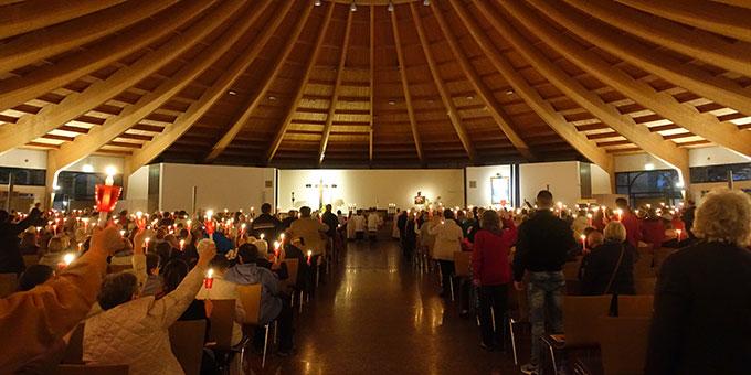 Marienfeier in der Pilgerkirche, Schönstatt, Vallendar (Foto: Schönstatt Pilgerzentrale)