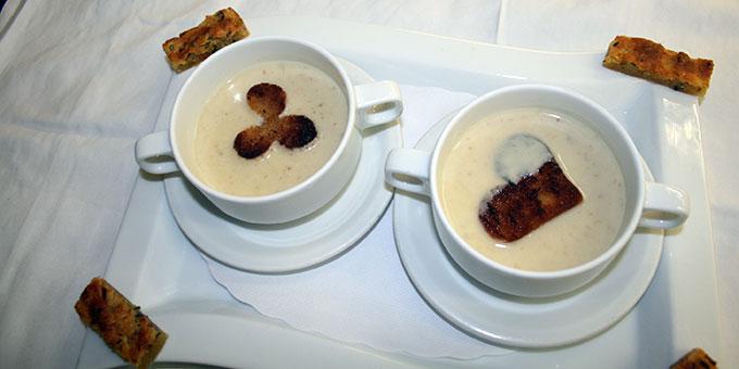 Eine Suppe, die das Paargespräch warmlaufen ließ (Foto: Peitz)