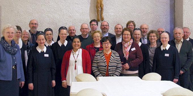 Die Teilnehmerinnen und Teilnehmer des Studientages der Schönstatt-Institute (Foto: Neiser)