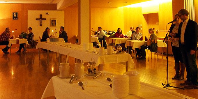 Candlelight-Evening im Schönstatt-Zentrum Liebfrauenhöhe mit Karen und Martin Obergföll als Moderatorenpaar(Foto: SMAH)