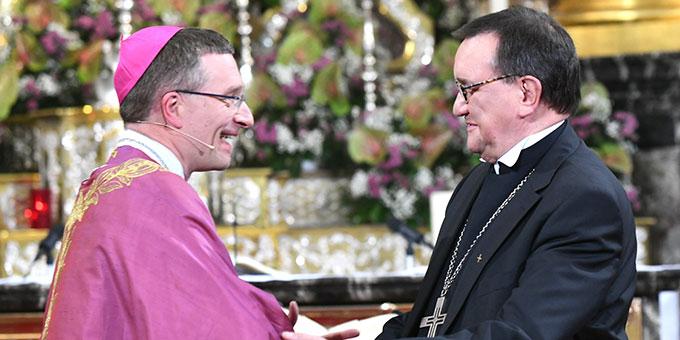 Bischof Gerber und der evangelische Landesbischof Dr. Hein  (Foto: Arnulf Müller / Bistum Fulda)