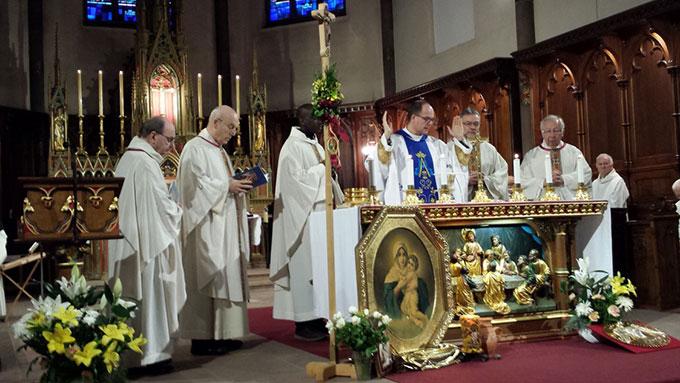 Festlicher Gottesdienst in der Basilika, zu dem auch Dr. Peter Wolf und Dr. Rainer Birkenmaier gekommen waren (Foto: Wehrle)