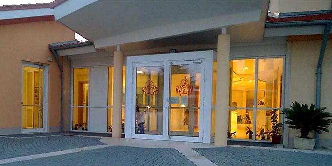 Haupteingang des internationalen Schönstatt-Zentrums Belmonte, Rom  (Foto: Brehm)