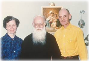 Eleanor and Raymond Yank with Fr. Kentenich in their Home Shrine