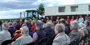 Ein Planwagen für den Windschutz (Foto: Hahn)
