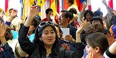 Wallfahrt spanisch sprechender Pilger: In jedem Moment ist Lebendigkeit und Freude spürbar (Foto: Pilgerzentrale)