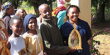 Freunde der Pilgernden Gottesmutter in Kenia (Foto: Projekt Pilgerheiligtum)