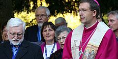 Weihbischof Dr. Michael Gerber bei der Einweihung des Ehe-Weges (Foto: Branz)