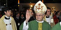 Erzbischof Dr. Robert Zollitsch bei der Eucharistie am Sonntag (Foto: Kröper)