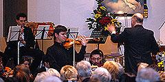 Der ukrainischen Geiger Aleksey Semenenko spielt Beethoven in der Pilgerkirche (Foto: Brehm)