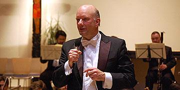 Volker Hartung, Chefdirigent der Jungen Philharmonie Köln, widmet sich besonders der Förderung und Entwicklung junger Talente(Foto: Brehm)