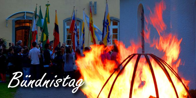 Bündnisfeuer am Bündnistag beim Urheiligtum in Schönstatt  (Foto: Brehm)