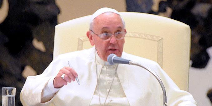 """Papst Franziskus: """"Anziehung entsteht durch das Zeugnis. Gebt Zeugnis!"""" (Foto: Eduardo SICT)"""