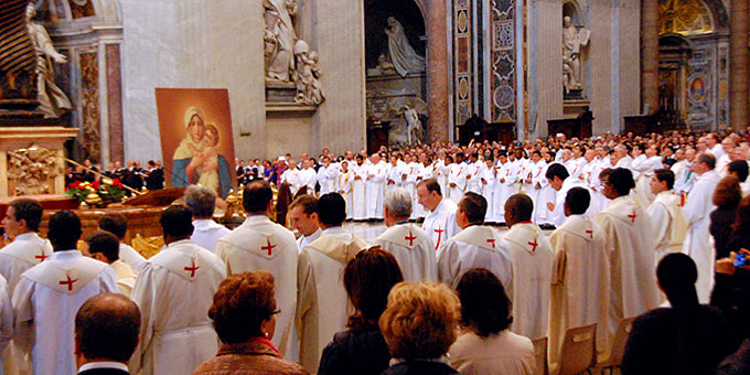 Viele Priester aus der weltweiten Schönstatt-Bewegung konzelebrierten (Foto: Brehm)
