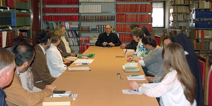 Gespräch mit Pater Friedrich Bechina FSO, Untersekretär in der Kongregation für das Katholische Bildungswesen  (Foto: Brehm)