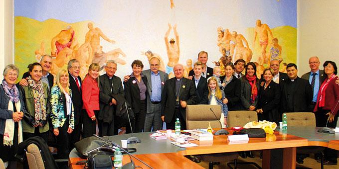 Die Verantwortlichen des Bündniskulturzeltes Ehe und Familie zum Gespräch bei Erzbischof Paglia im Päpstlichen Rat für die Familien (PCF) (Foto: Wieland)