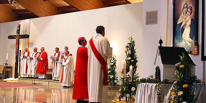 Liturgischer Gruß an die Gottesmutter von Schönstatt  (Foto: Lilek)