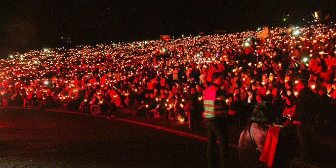 Das Licht des Glaubens hat sich auf dem ganzen Platz ausgebreitet (Foto: Kröper)