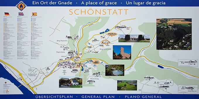 Ein großer neuer Orientierungsplan für die Pilger an der Pilger-Information (Foto: Brehm)