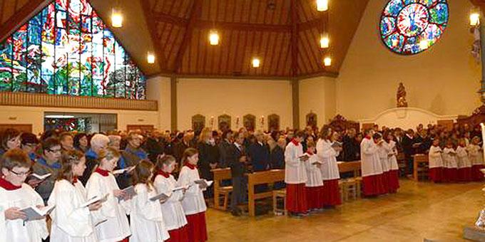 Jubiläumsgottesdienst in der Pfarrkirche Nittenau (Foto: SchZentrum Nittenau)