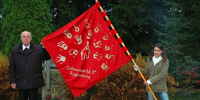 Die SchönstattMJF hat ein neues Banner (Foto: SchZentrum Nittenau)