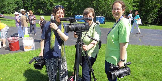Schönstatt-TV Kamerateam in Milwaukee, USA: Hildegard Hug, Agathe Hug, Judith Biehlmaier (v.l.n.r.) (Foto: Privat)