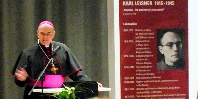 Bischor Dr. Felix Genn bei der Vorstellung der Lebens-Chronik von Karl Leisner (Foto: Bühler)