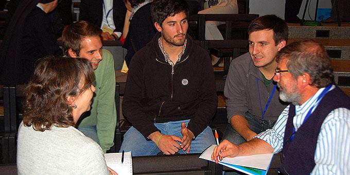 """In zwei """"Murmelrunden"""" tauschten sich die Teilnehmer untereinander aus, bevor die Ergebnisse im Plenum benannt wurden  (Foto: Brehm)"""