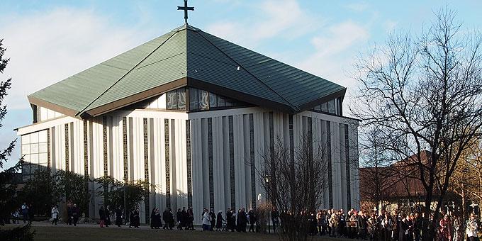 Prozession zur Schönstatt-Kapelle (Foto: Bay)