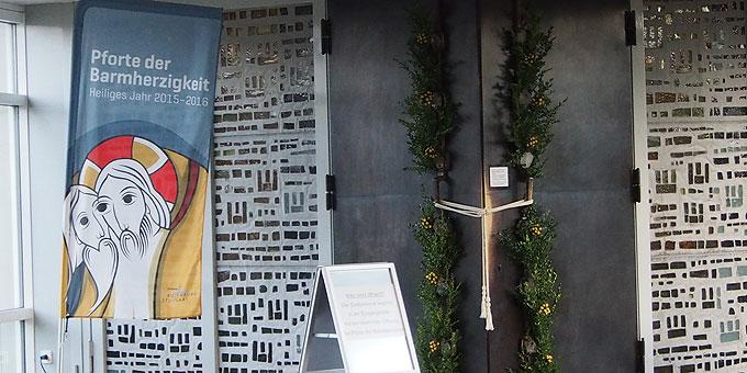 Öffnung der Heiligen Pforte - Schönstatt-Zentrum Liebfrauenhöhe (Foto: Bay)