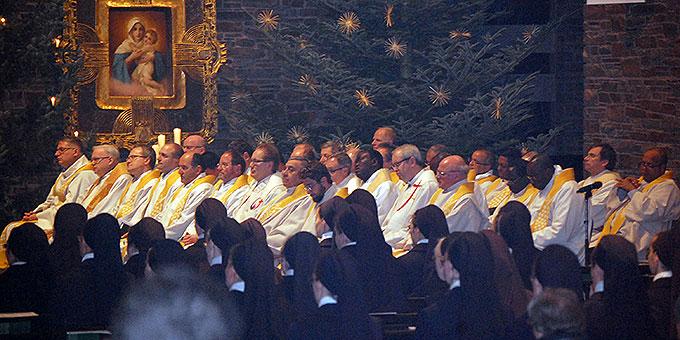 Fast 40 Priester konzelebrierten (Foto: Brehm)