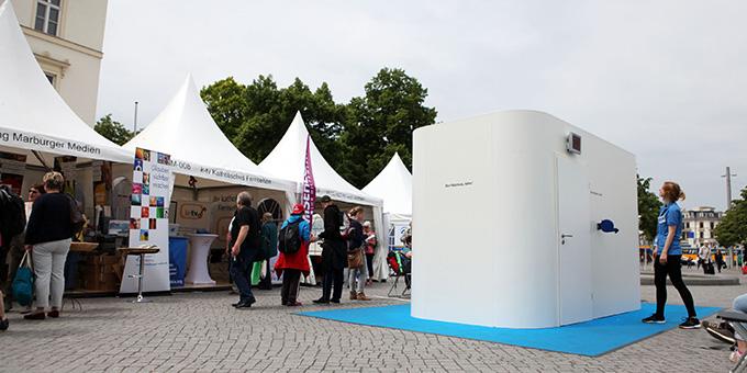 White Box auf dem Richard-Wagner-Platz (Foto: Katholikentag Benedikt Plesker (c))