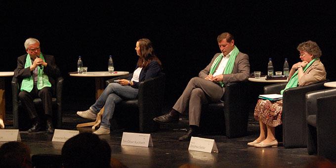 "Podium zum nachsynodalen Schreiben ""Amoris Laetitia"" (Foto: Brehm)"