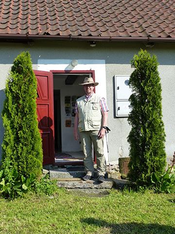 Ankunft am Elternhaus von Josef Engling (Foto: A. Busch)