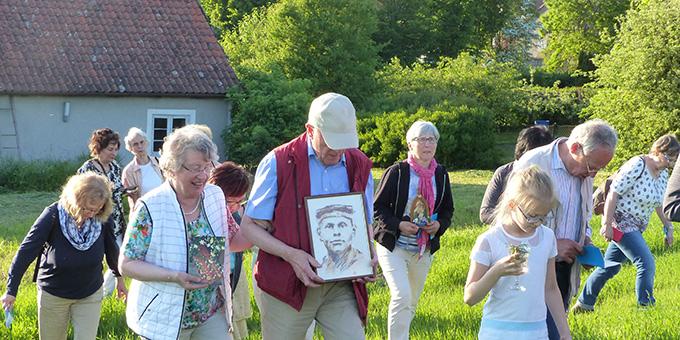 Auf dem Weg zum Platz des ersehnten Schönstatt-Heiligtums (Foto: A. Busch)