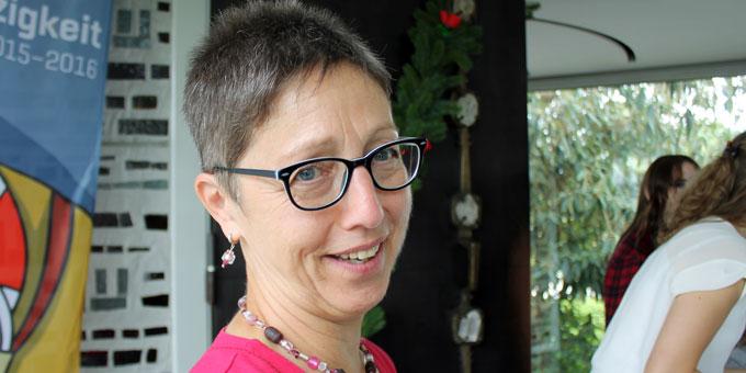 Ursula Baur, Mitorganisatorin beim Freudenfest, bei der Führung (Foto: Hartmann)