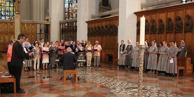 Ökumenische Gebetszeit im Liebfrauendom (Foto: Haaf)