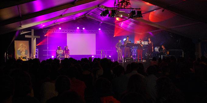 Über 400 Jugendliche bei der Nacht des Heiligtums in Schönstatt (Foto: Brehm)