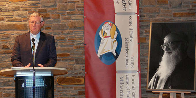 """""""Pater Kentenich hat Schönstatt als vernetze Bewegung von Gruppierungen, Gemeinschaften und Projekten gedacht, die aus dem Vorgang des sich Einlassens und miteinander Unterwegsseins leben."""" (Foto: Brehm)"""