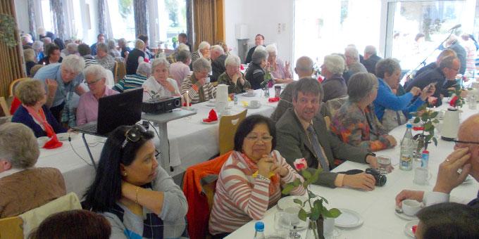 Über 150 Gäste sind zum Fest gekommen (Foto: Jackel)