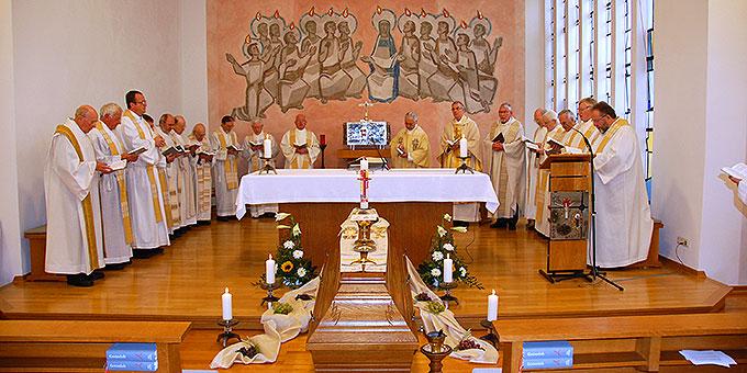 Requiem für Pastor Heinz Künster in der Kapelle des Priesterhauses Marienau (Foto: Brehm)