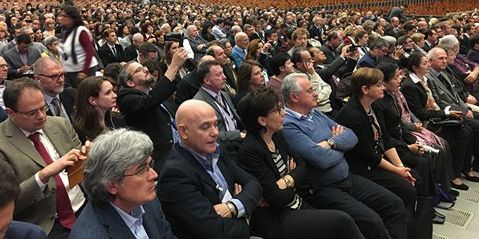 Etwa 1.200 Mitglieder von WiG in der Audienzhalle bei der Begegnung mit Papst Franziskus (Foto: Fleming)