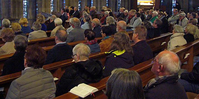 Überraschend großer Teilnehmerkreis beim Politischen Abendgebet (Foto: Wehrle)