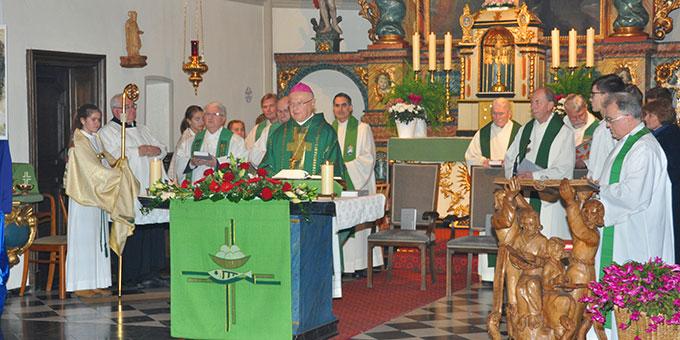 Feierlicher Gottesdienst aus Anlass des 132. Geburtstages von Pater Joseph Kentenich in der Gymnicher Pfarrkirche St. Kunibert (Foto: Karl Wolf)