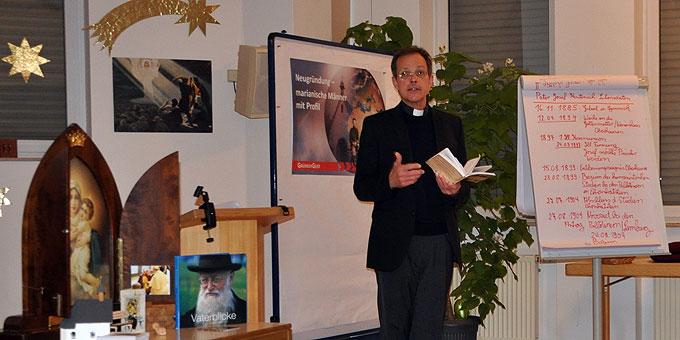 Pfr. Jörg Simon hält die Vorträge für die Männer bei den Besinnungstagen in Aulendorf  (Foto: Bradler)