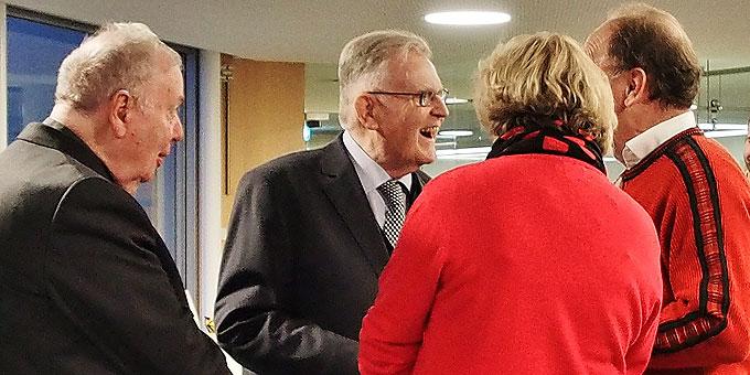 Begrüßung von Dr. Erwin Teufel (Foto: Gehrlein)